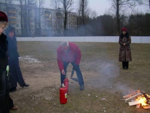 Пользование огнетушителем видео 6